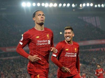 Liverpool acaricia la Premier tras quedarse con el clásico ante el United
