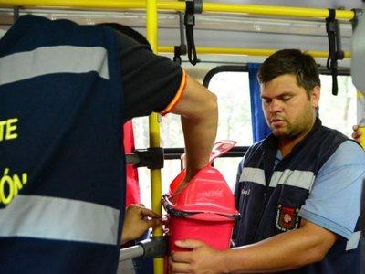 En CDE instalan 340 basureros en buses y usuarios aplauden   medida