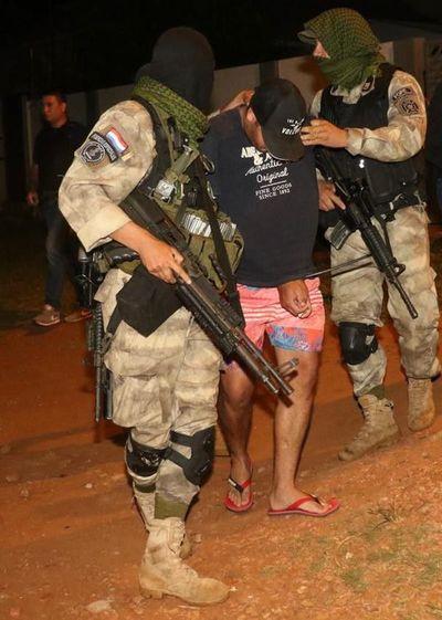 Fuga en PJC: Policías realizan allanamientos en barrios de la ciudad