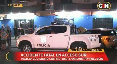 Taxista fallece tras choque frontal sobre Acceso Sur
