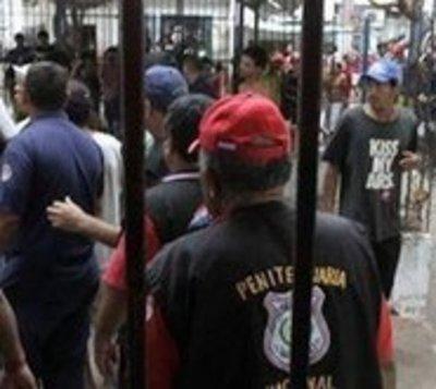 Detienen a 30 guardiacárceles de la cárcel de Pedro Juan Caballero