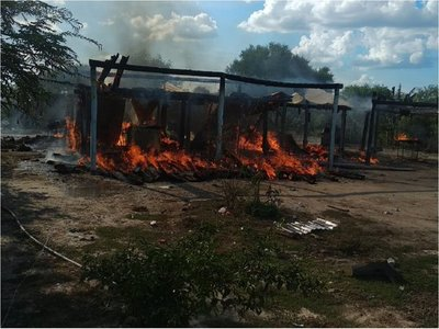 Incendio consume totalmente vivienda de una humilde familia