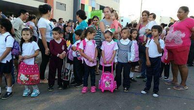 Inicio de clases no se retrasará por la epidemia del dengue