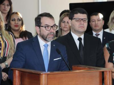 Fiscales abogan por transparentar investigación que afecta a dos colegas