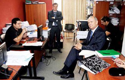 Ferreiro recusa a fiscala que lo investiga por corrupción en la comuna