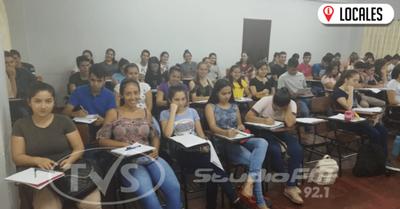 UCI ofrece cursos para acceder a las Becas de Itaipu