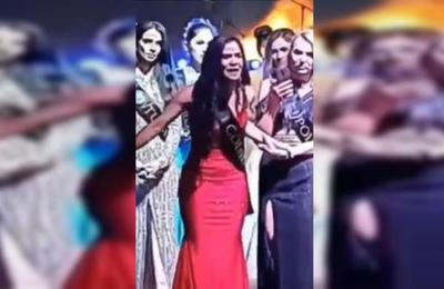 '¡Es un fraude!': participante denunció en pleno escenario que concurso de belleza estaba arreglado