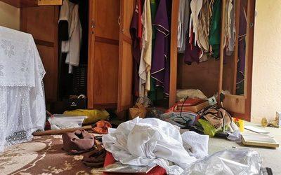 Desconocidos destruyen varios objetos de una capilla en CDE