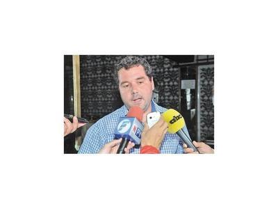 Fiscalía    no encuentra  indicio alguno de corrupción contra Hugo Volpe