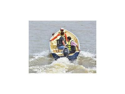Incorporan lanchas a equipo de salvavidas en Encarnación