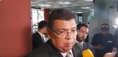 Francisco de Vargas critica que se mancille el nombre de su cliente en base a dichos de un abogado de narcos