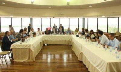 Gran fuga en Pedro Juan: fiscal dispara que Justicia sigue la crisis no yendo al sitio sino por teléfono