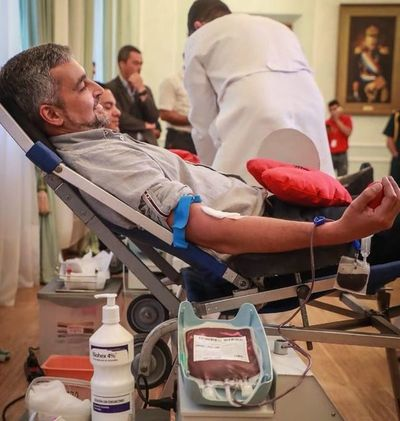 Confirman que presidente Mario Abdo Benítez tiene dengue