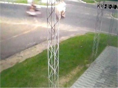 Colisión entre motos deja un fallecido y dos heridos