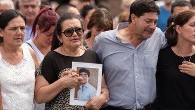 Convocan a manifestarse en Asunción por el asesinato de un hijo de paraguayos en Argentina