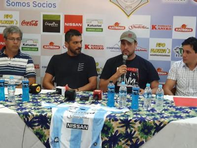 Guaireña presenta a Santiago Salcedo como refuerzo