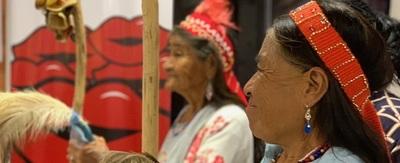 Madres indígenas reciben atención de Ciudad Mujer Móvil