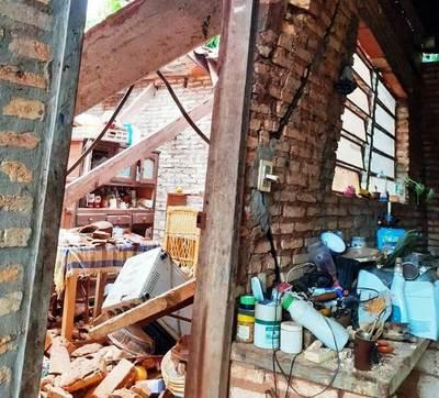 Derrumbe causa susto en Ycuá Duré •