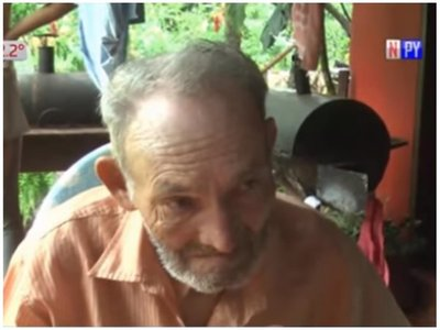 Abuelito de 72 años fue echado de la casa por su propio nieto