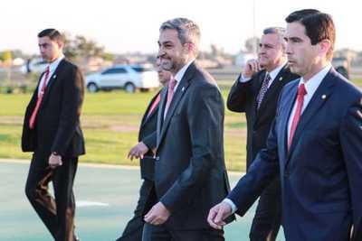 Anticipan una recuperación rápida para el presidente Abdo Benítez