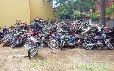 Policía destruirá vehículos abandonados en comisarías tras autorización judicial