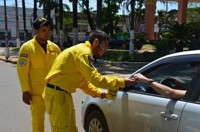 Reconocen que no hay control sobre supuestos bomberos que piden dinero en la vía pública