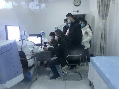 Aumentan a 25 las muertes por el coronavirus y hay 830 contagiados en China
