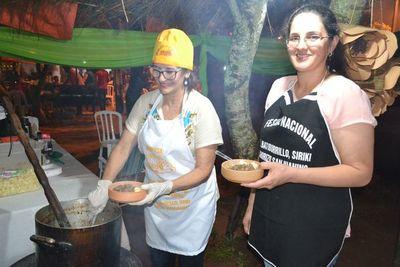 Música y gastronomía en el festival del batiburrillo, en San Juan, Misiones