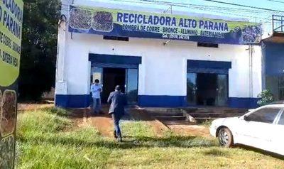 Desconocidos roban G. 4 millones de una recicladora en Minga Guazú