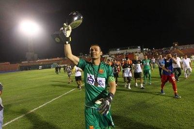 Bernardo Medina: capitán, figura y 'supercampeón' en Perú
