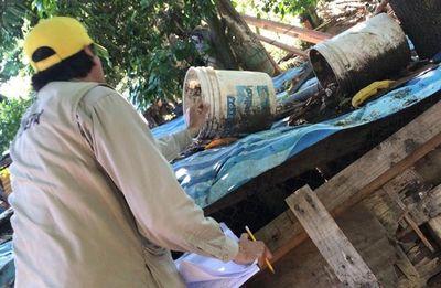 Operativo limpieza en Limpio contra el Dengue