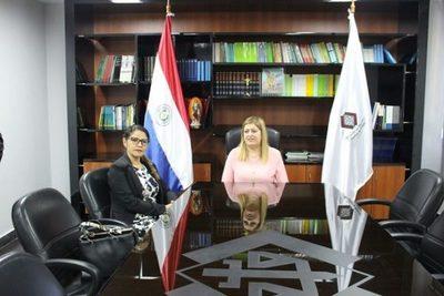 "Ministra y Fiscal General se reúnen luego de ""teléfono cortado"""