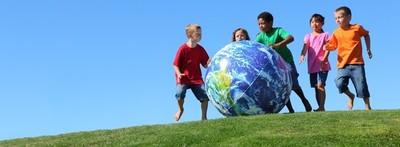 Dequení se suma a la jornada internacional del Día de la Educación.