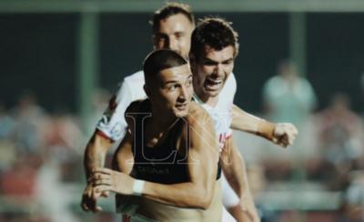 HOY / San Lorenzo da un paso adelante y conquista su primer triunfo