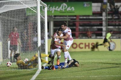 Cáceres rescata al Rayadito