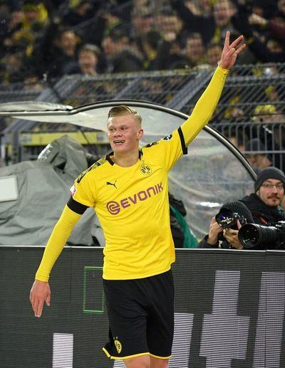 Dortmund golea con doblete de Haaland