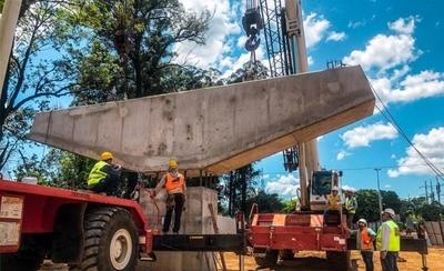 HOY / Corredor Vial Botánico: elevan primer dintel que sostendrá al viaducto de 460 metros