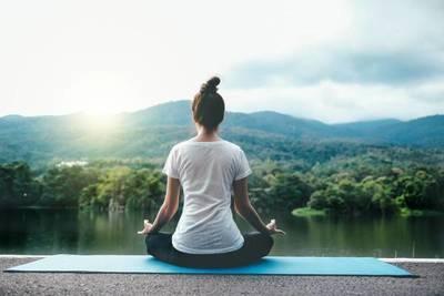 Yoga y meditación este sábado en Plaza Uruguaya