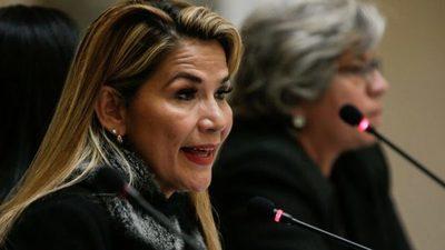 Presidenta interina de Bolivia dice será candidata en elecciones de mayo
