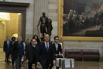 Abogados de la Casa Blanca defienden a Trump en juicio de destitución