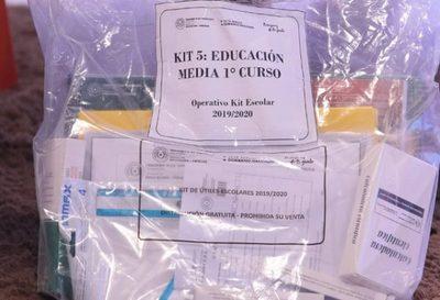 El MEC entrega el 100% de los kits escolares en San Pedro