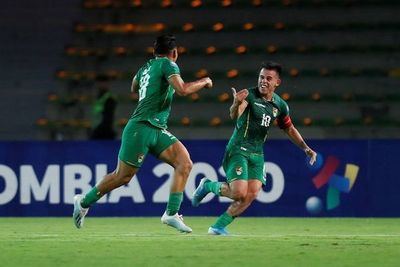Bolivia vence a Uruguay con gol tardío de Saldías