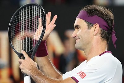 Federer y Djokovic vuelan a cuartos; Coco Gauff vuelve a pisar tierra