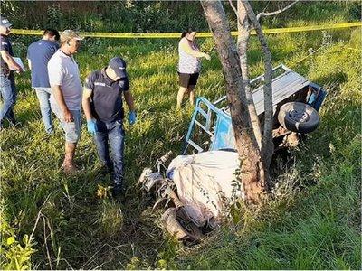 Adolescente murió al chocar con motocarro contra un árbol