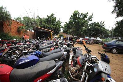 Autorizan a la Patrulla Caminera a destruir vehículos abandonados