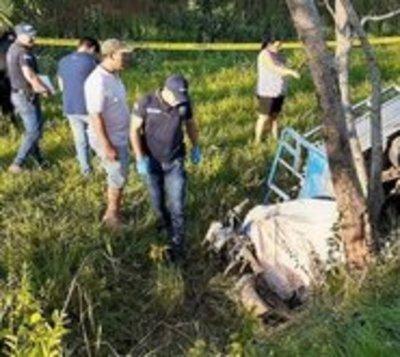 Fallece menor tras chocar motocarro contra un árbol