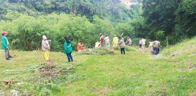 """Realizan jornada de limpieza en zona de """"Paseo Gondra"""" de la Chacarita"""
