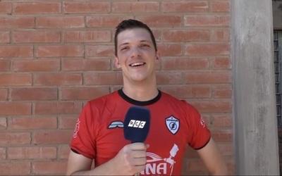 Rayo Cuatecano se escapó en soledad en la División B