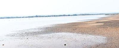 """Lago Ypacaraí """"MOPC incumplió condicionantes"""", según MADES"""