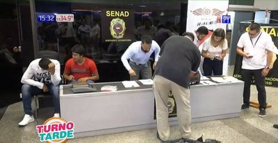 Caen 2 jóvenes con drogas en el Aeropuerto Internacional Silvio Pettirossi